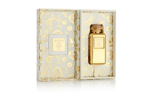 """<p>El último proyecto de <strong><a href=""""http://www.luxurypackaging.co.uk/"""" target=""""_blank"""">MW Luxury Packaging</a></strong> con <strong>Estée Lauder</strong> es un estuche de regalo de lujo para la fragancia Rose de Glasse d'Or de <strong>Aerin</strong>"""
