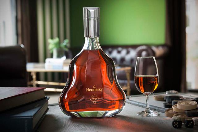 <p>Hennessy cumple 250 años de historia. Para celebrarlo