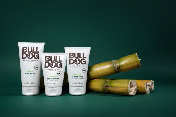 <p><strong>RPC M&H Plastics</strong> y <strong>Bulldog Skincare for Men</strong> han unido sus fuerzas una vez más para realizar el packaging de la nueva línea de productos de cuidado de la piel de Bulldog. Bulldog es la primera marca de productos para hombres que utiliza la caña de azúcar como materia prima. Han optado por una actualización ecológica de su gama de tubos flexibles