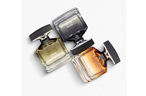 <p><strong>La Cristallerie des Parfums</strong> es una marca francesa creada en 2015 por Helena Robin y ha logrado hacerse con un público fiel en el mercado de «ultra lujo». Ahora apunta al público masculino con una nueva gama. <strong>Quadpack</strong> contribuyó a realizar su visión.</p>