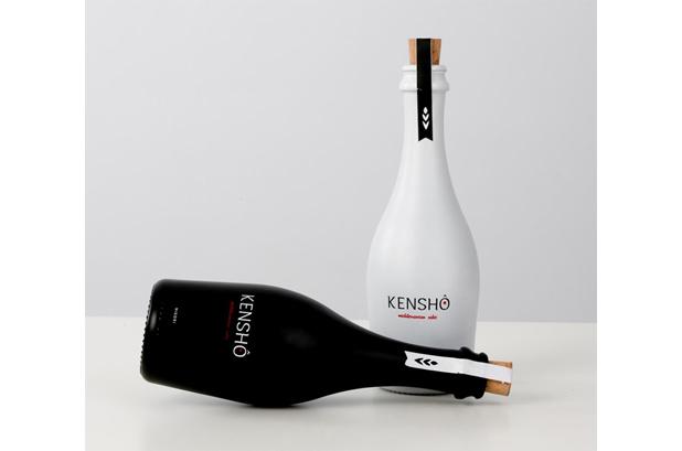 """<p>La empresa española de personalización de envases de vidrio<a href=""""http://www.studioglass.es/index.php/es/"""">Studio Glass</a>y <strong>Kensho</strong> Mediterranean Sake presentan el primer sake español elaborado en España"""