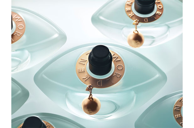 <p>El equipo de perfumes de <strong>LVMH Kenzo</strong> seleccionó el pulverizador Melodie Pure™