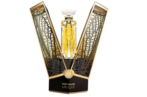 <p><strong>Lalique Parfums</strong> y <strong>Knoll Prestige Packaging</strong> colaboraron en la realización del estuche negro de <strong>Noir Premier Deux Cigales 1911 de Lalique</strong>