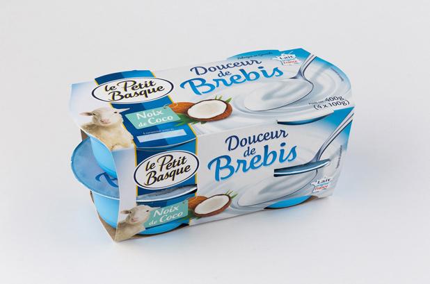 <p>La nueva gama de especialidades de leche de oveja de la compañía láctea francesa Le Petit Basque cuenta con un envase multicapa hecho a medida