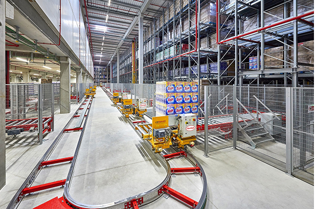 Henkel pone en marcha en España su nuevo centro logístico automatizado para el sur de Europa