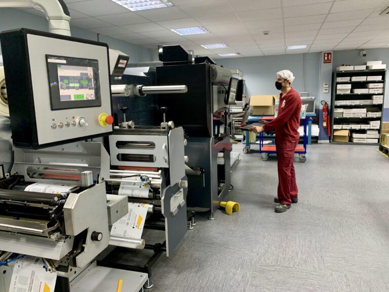 Germark reforma sus instalaciones para convertirse en la primera empresa española certificada para etiquetar las vacunas de la Covid-19