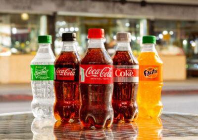 Coca-Cola América do Norte lança garrafas feitas de plástico PET 100% reciclado