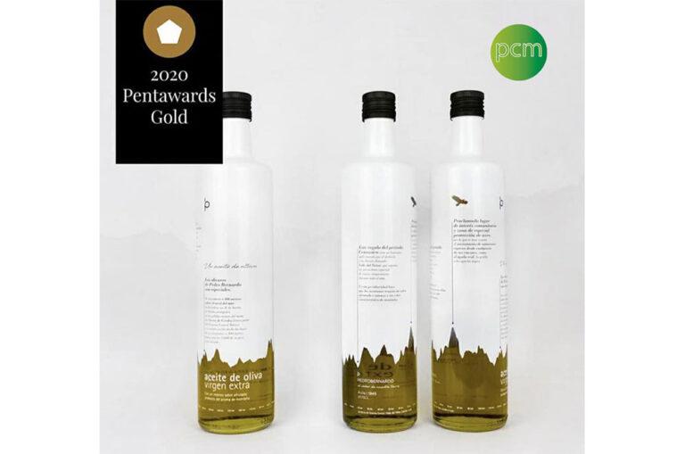 PCM 装饰获得 Pentawards 金奖的设计